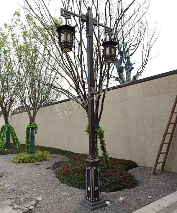 云南小型庭院太阳能路灯