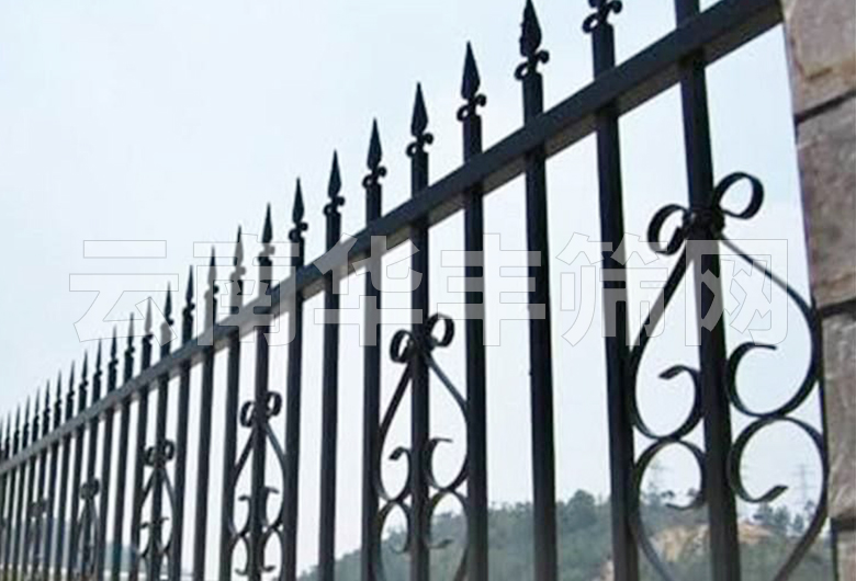 玉溪锌钢护栏主要用途?有什么优势?