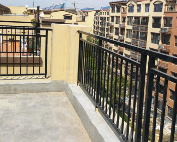 建造阳台护栏时需要遵守6点要求,可防止意外发生