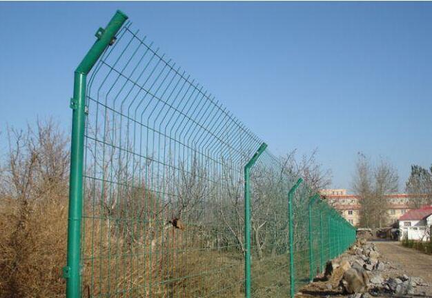 双边护栏网的安装注意事项