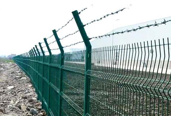 刺绳护栏网的安装方法