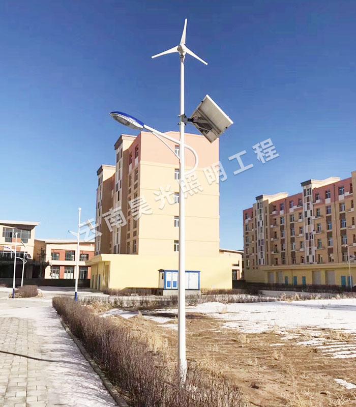 保山一體化太陽能路燈廠家講講一體化太陽能路燈與市電路燈的區別