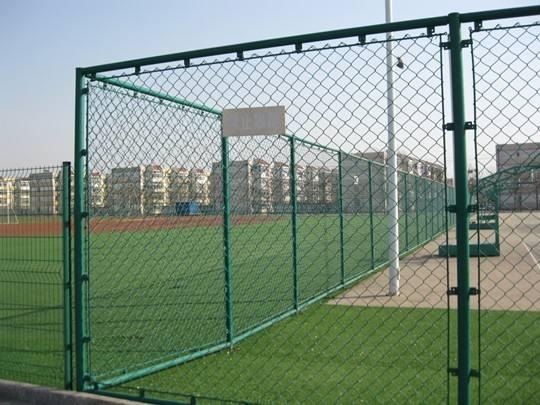 云南护栏网生产厂家告诉您护栏网这样安装起来更好用