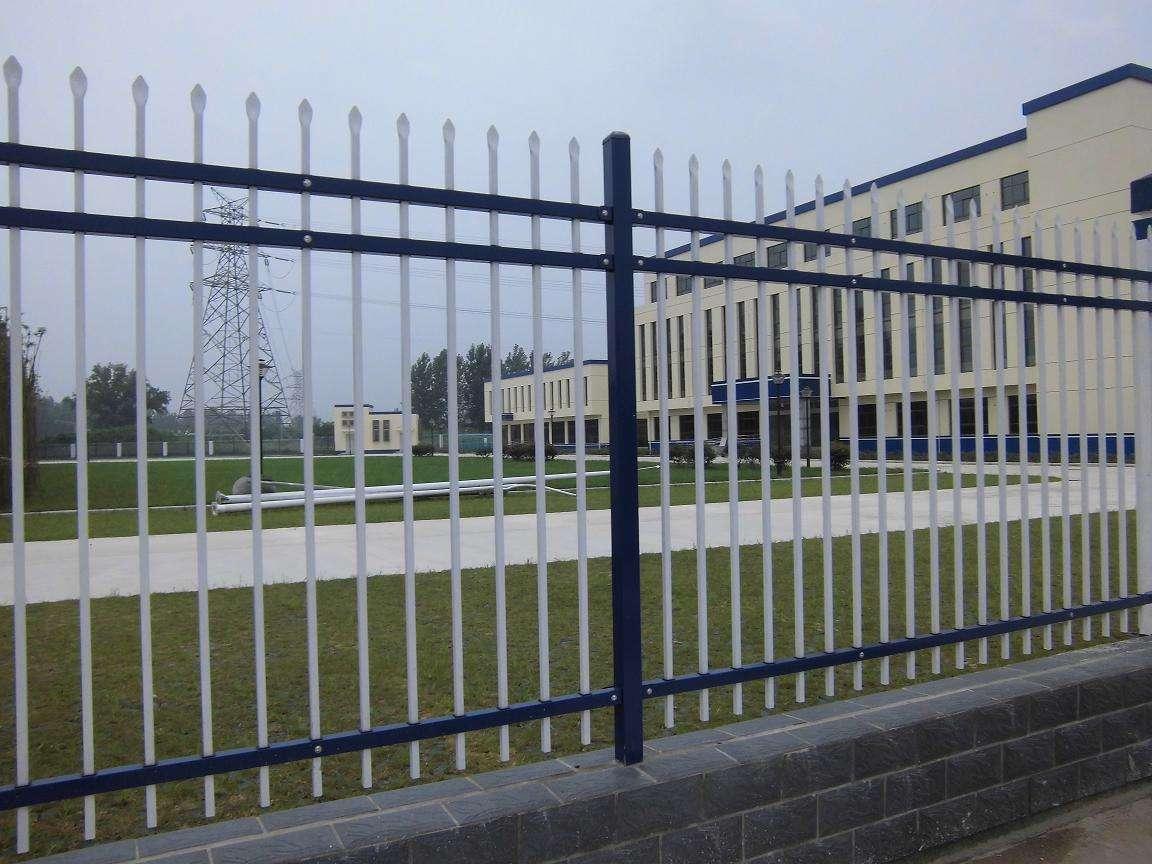 护栏网安装怎样保持在同一水平线上