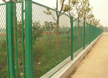 如何做好围栏网保养?围栏网保养注意事项