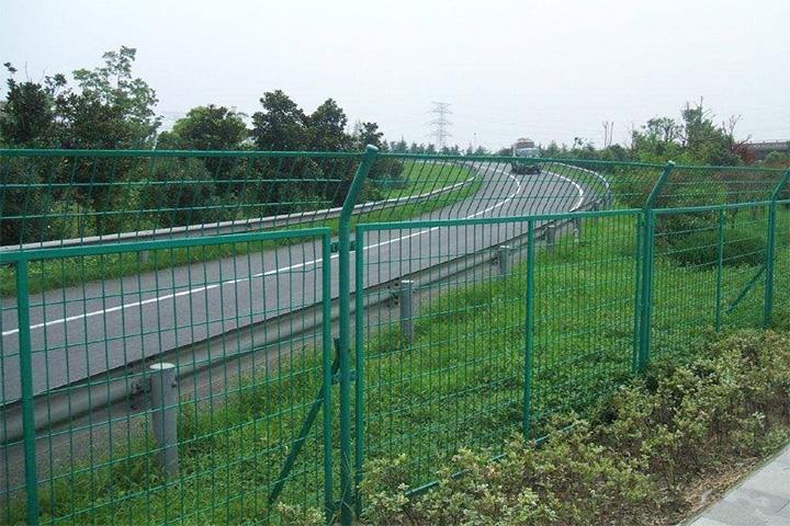 高速护栏网表面处理方法都有哪些