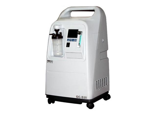 云南制氧机专卖店解释慢阻肺患者适合使用制氧机还是呼吸机?