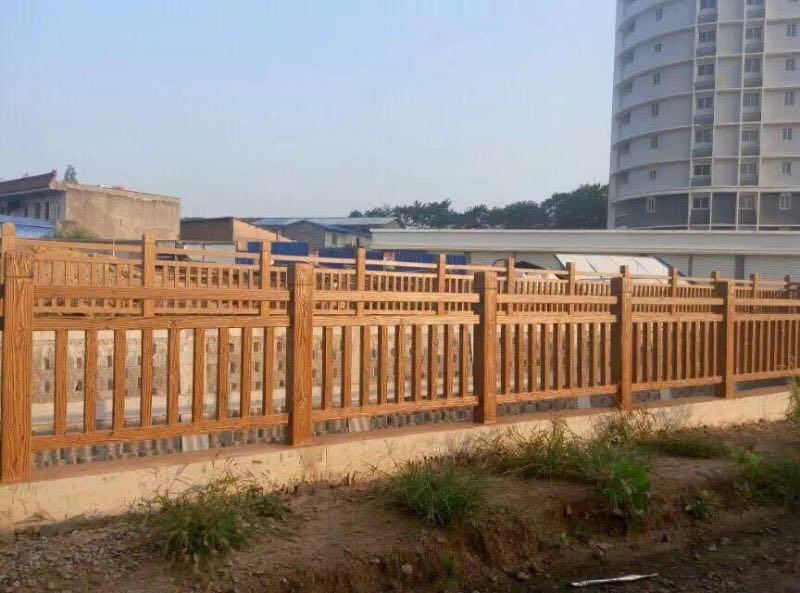 云南罗马柱木纹隔离护栏