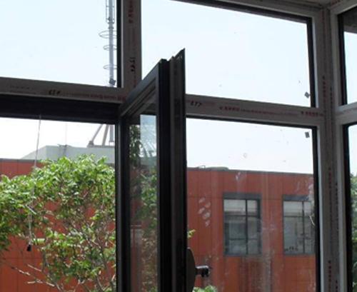 为什么门窗的价格差异很大?断…