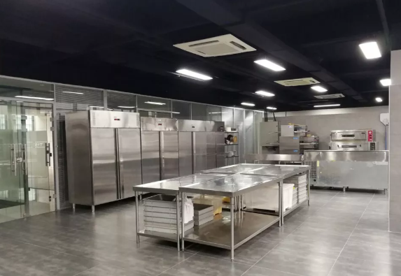 昆明商用厨具选择不锈钢材质的理由有哪些?