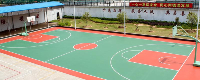 篮球场铺装塑胶地板有哪些优势?