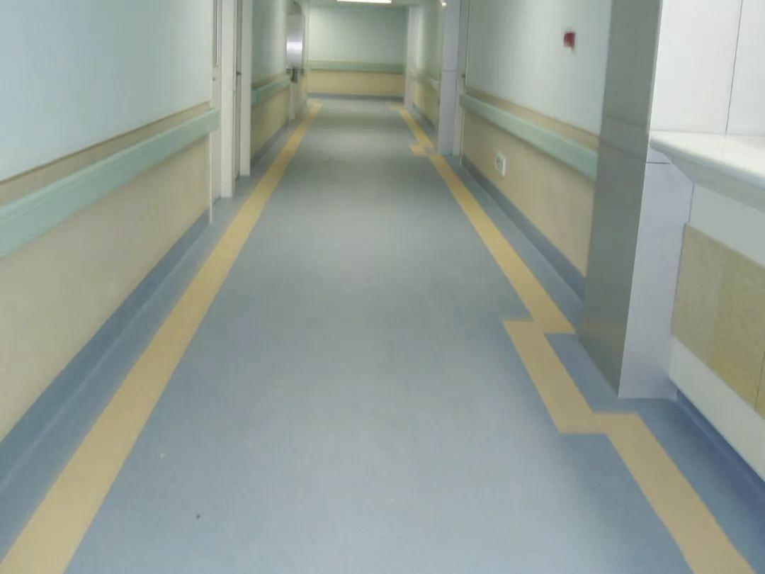 如何处理PVC塑胶地板上的污垢