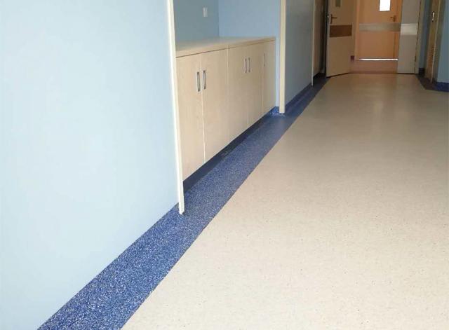 云南醫院PVC塑膠地板施工,昆明醫院PVC塑膠地板施工