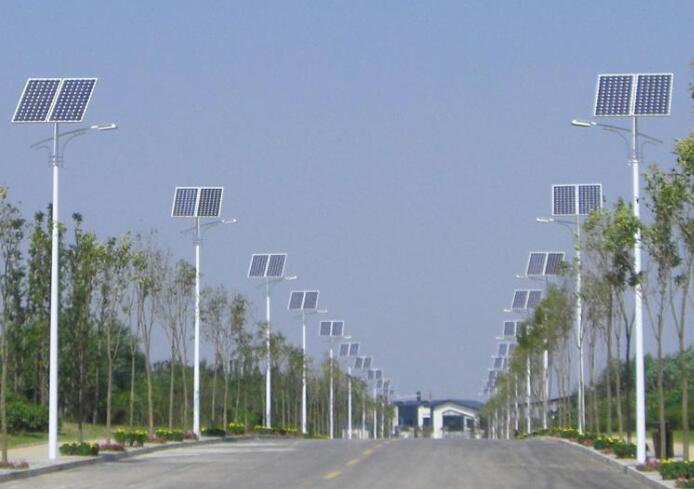 昆明太阳能路灯厂家_太阳能路灯组成