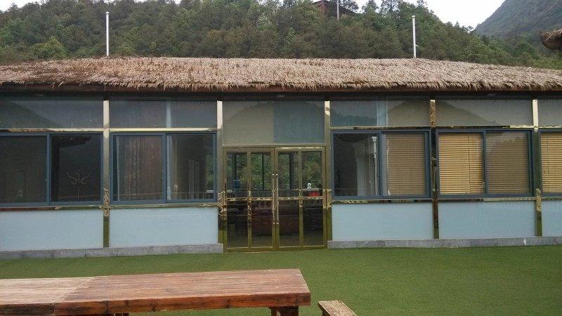 富民防腐木屋顶改造
