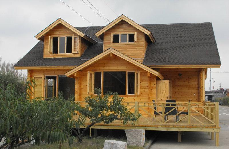 防腐木木屋搭建完成之后如何来去除味道