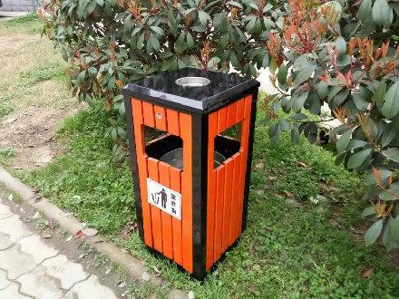 立式防腐木垃圾桶