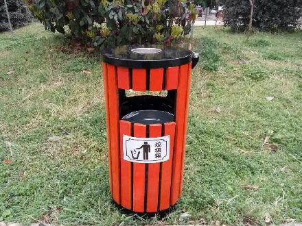 柱形防腐木垃圾桶