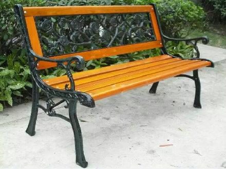 靠背防腐木椅子