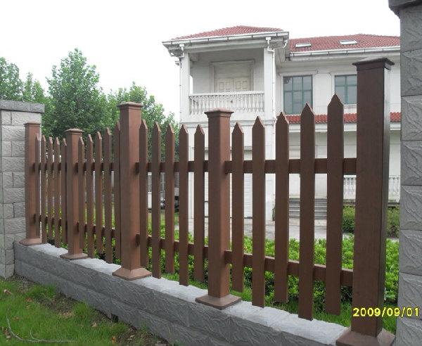 别墅防腐木护栏