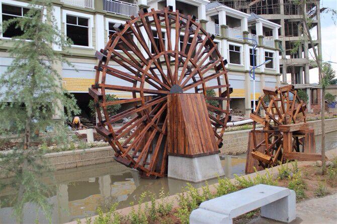 圆形防腐木水车