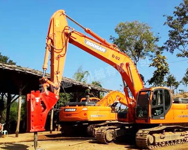 挖掘机破碎锤需求越来越高的原因有哪些?