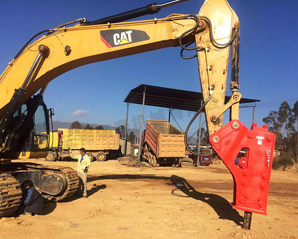 如何使用破碎锤才能保证挖掘机不被损坏呢?