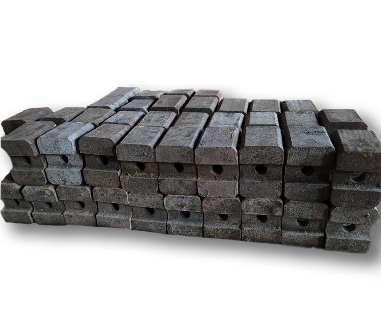 云南板锤厂家深度挖掘造成破碎机板锤磨损的原因