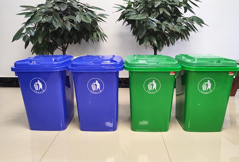 100L塑料环卫垃圾桶