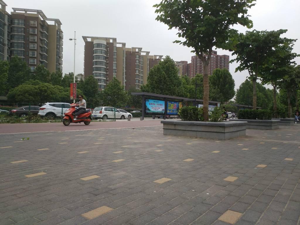 云南PC仿石材砖的生产制作: