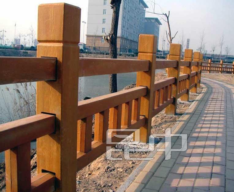 云南城市河流防木栏批发