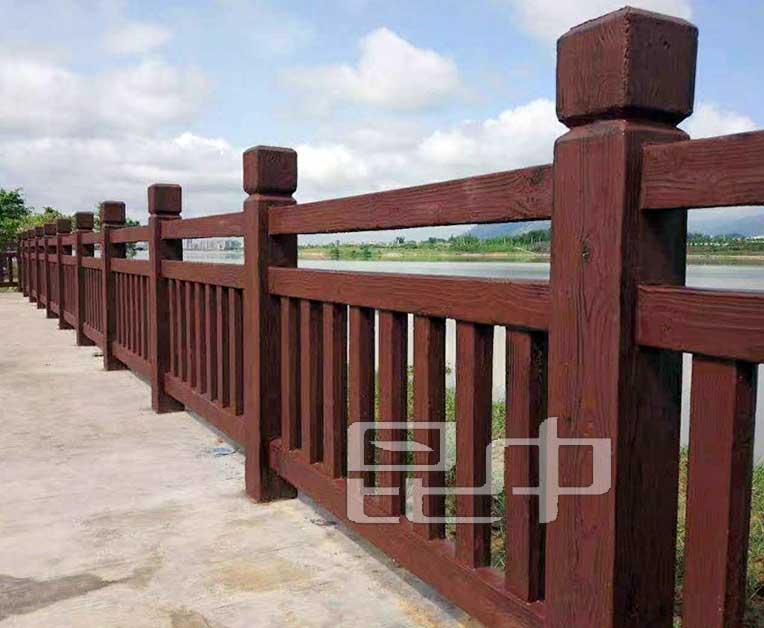 云南城市湖泊防木栏直销