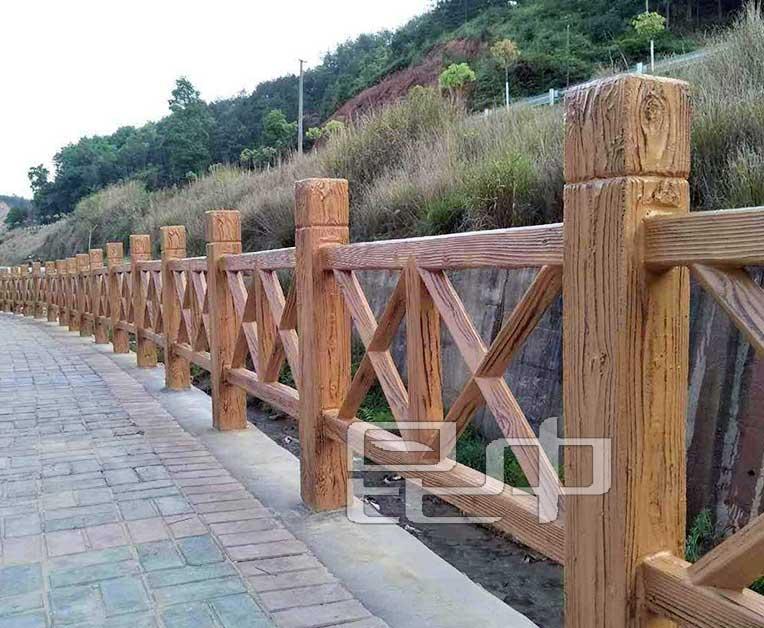 云南农庄道路防木栏生产厂家