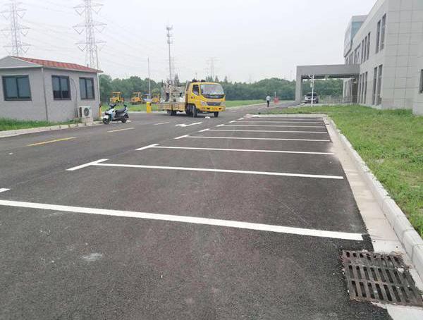 红外路兵器厂厂区热熔车位划线