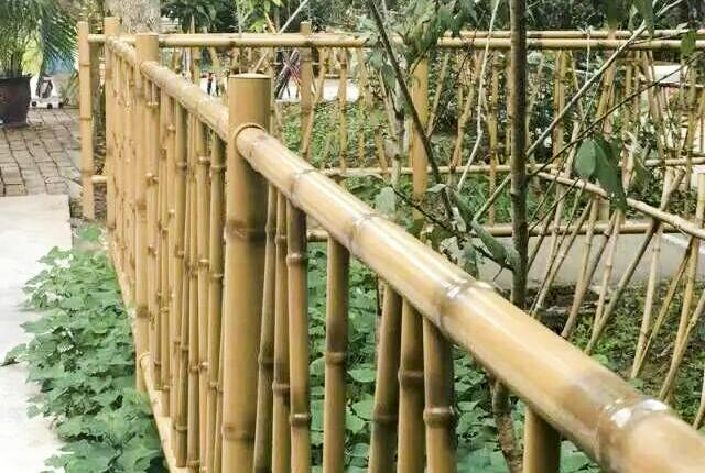 鋁合金時尚綠色仿竹圍墻護欄