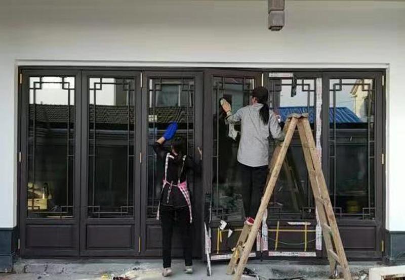 旋轉折疊門窗安裝
