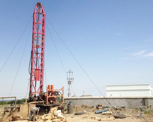 带你见识,云南钻井公司如何打出100多米深的水井。