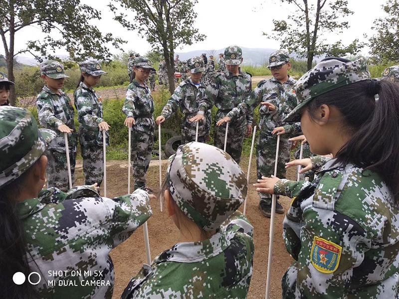 亲子军事训练夏令营