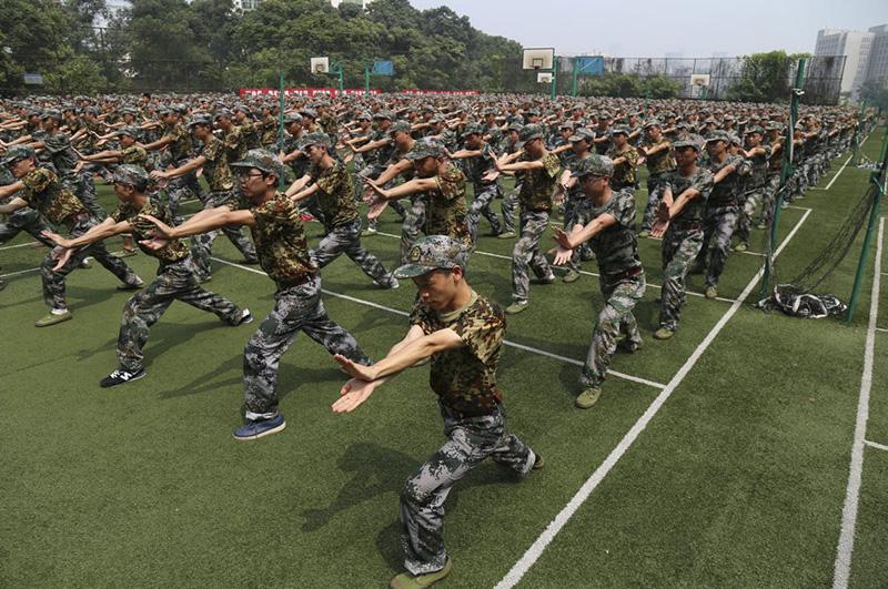 企业军训-武术表演