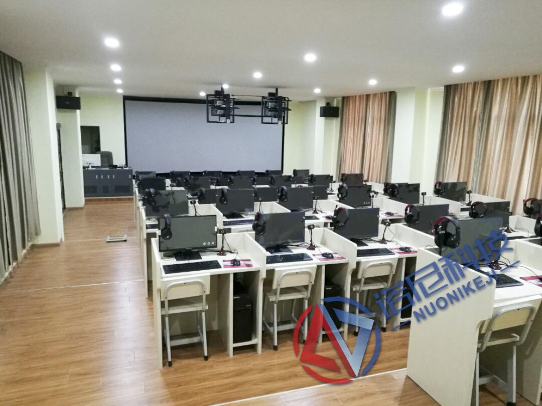 剑川县职业中学虚拟仿真实训室