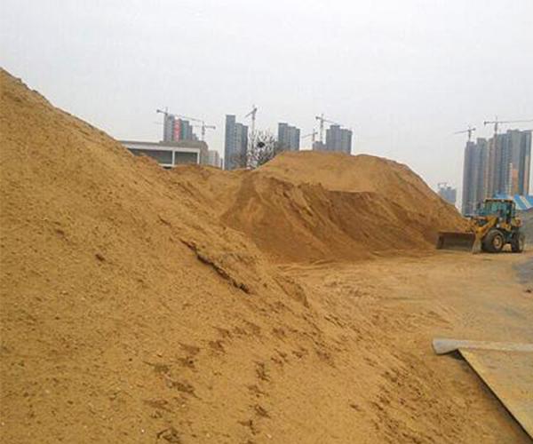 长期供应建筑用细沙石料,黄沙、细河沙,白沙等各种沙石齐全,欢迎采购。