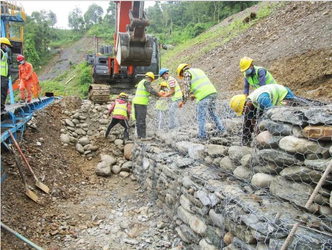 尼泊尔塔纳湖项目砂石骨料筛分系统上线测试