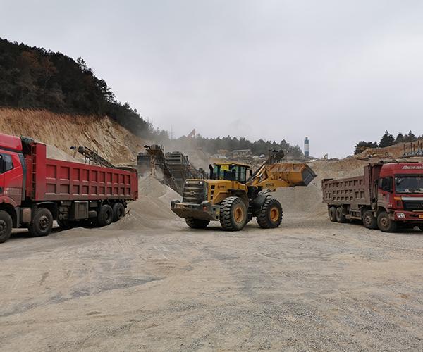 """砂石矿山处于""""机遇和挑战并存""""时期,中小型砂石矿山实力相对薄弱绿色矿山建设困难重重"""
