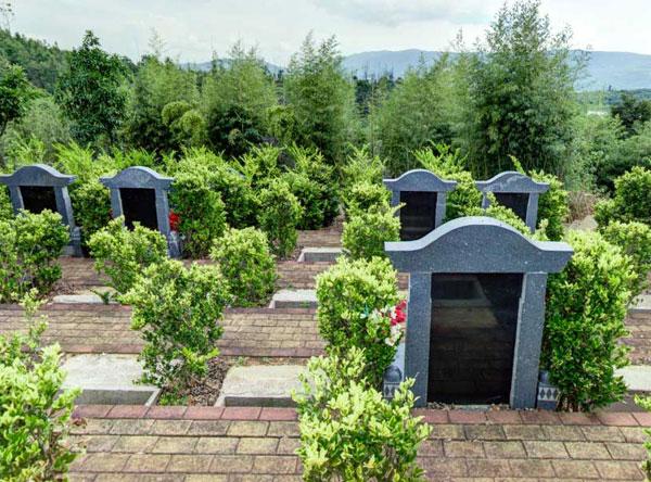 昆明青龙艺术园林公墓