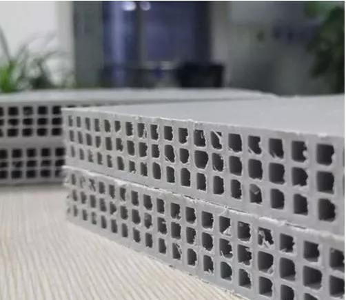 昆明塑料建筑模板厂家:建筑模板的发展历程