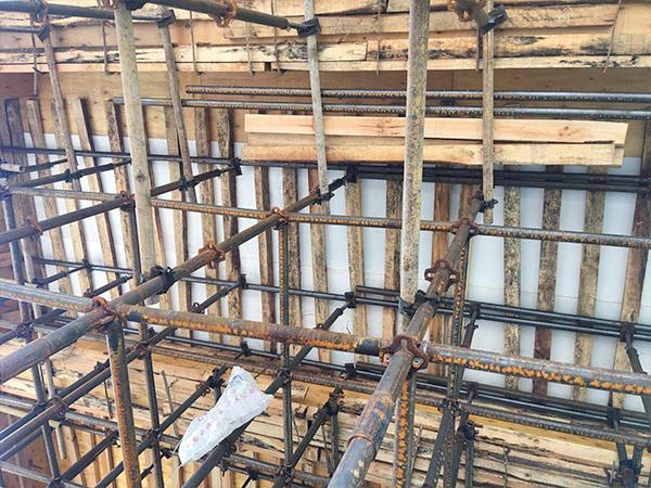 昆明建筑模板厂家直销的建筑模板都有哪些特点?