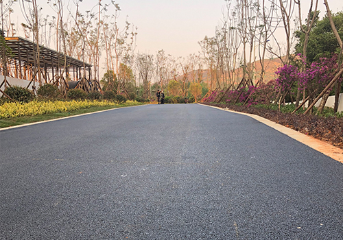 下雨對瀝青路面施工的影響