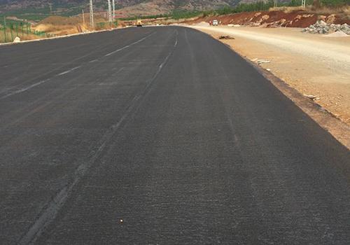昆玉高速公路沥青路面施工