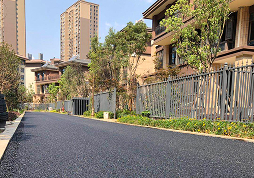 云南印象二期沥青路面施工