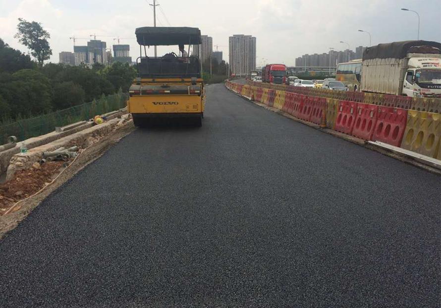 收費站道路瀝青路面施工